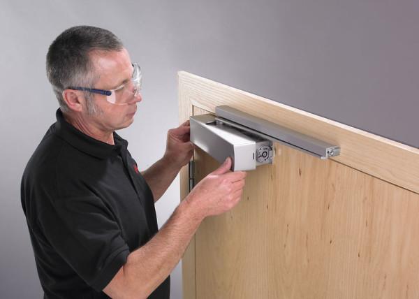 Как Настроить Доводчик Чтобы Дверь не Хлопала — пошаговая инструкция