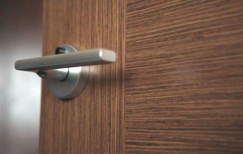 Как Разобрать Ручку Межкомнатной Двери с Замком — пошаговая инструкция с фото