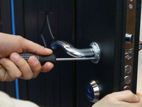 Как Заменить Ручку на Входной Металлической Двери — этапы и методика