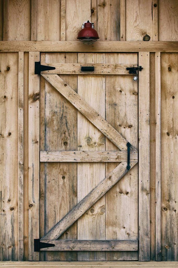 Дверь в Сарай Своими Руками из Дерева — расчеты и монтаж