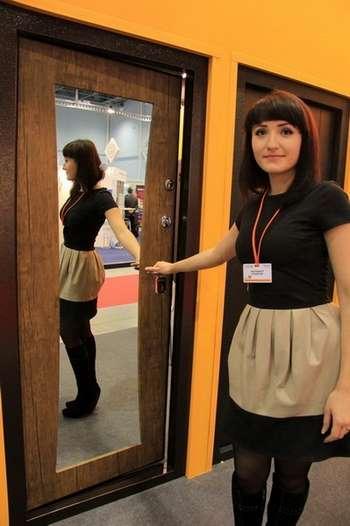 Можно ли Вешать Зеркало на Входную Дверь — пошаговая технология с фото
