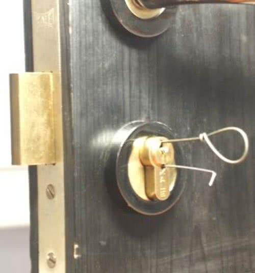 Сломался Ключ в Замке Двери Что Делать — этапы и методика