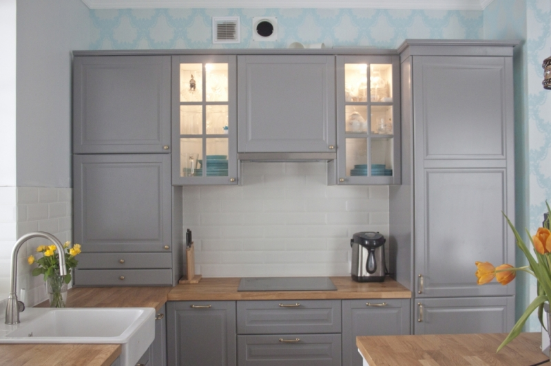 Кухня с Мойкой У Окна в Доме - советы