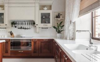 Кухня с Мойкой У Окна в Доме — советы